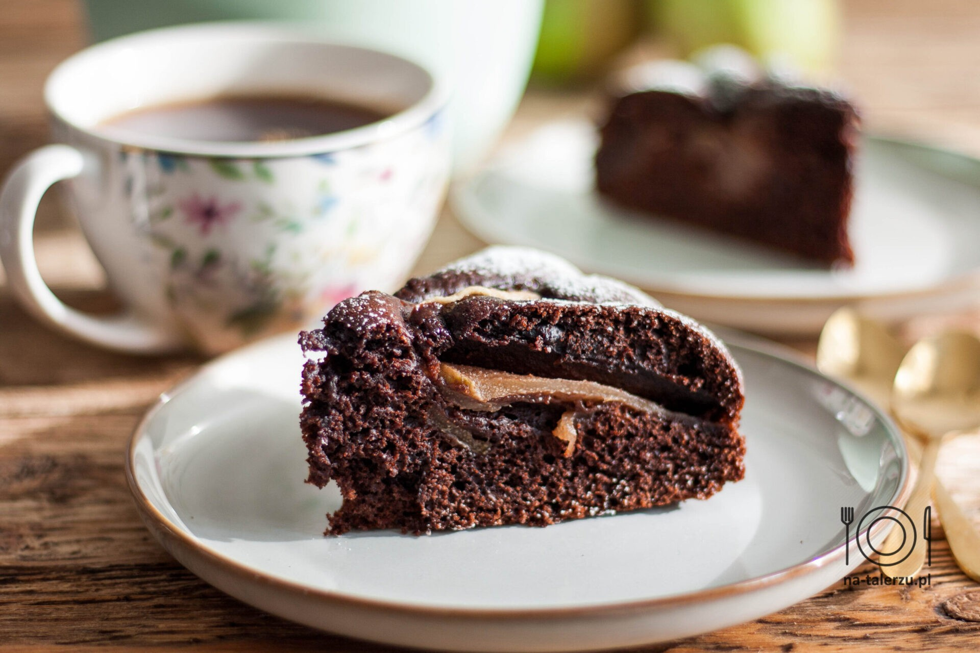 proste ciasto czekoladowe z gruszkami