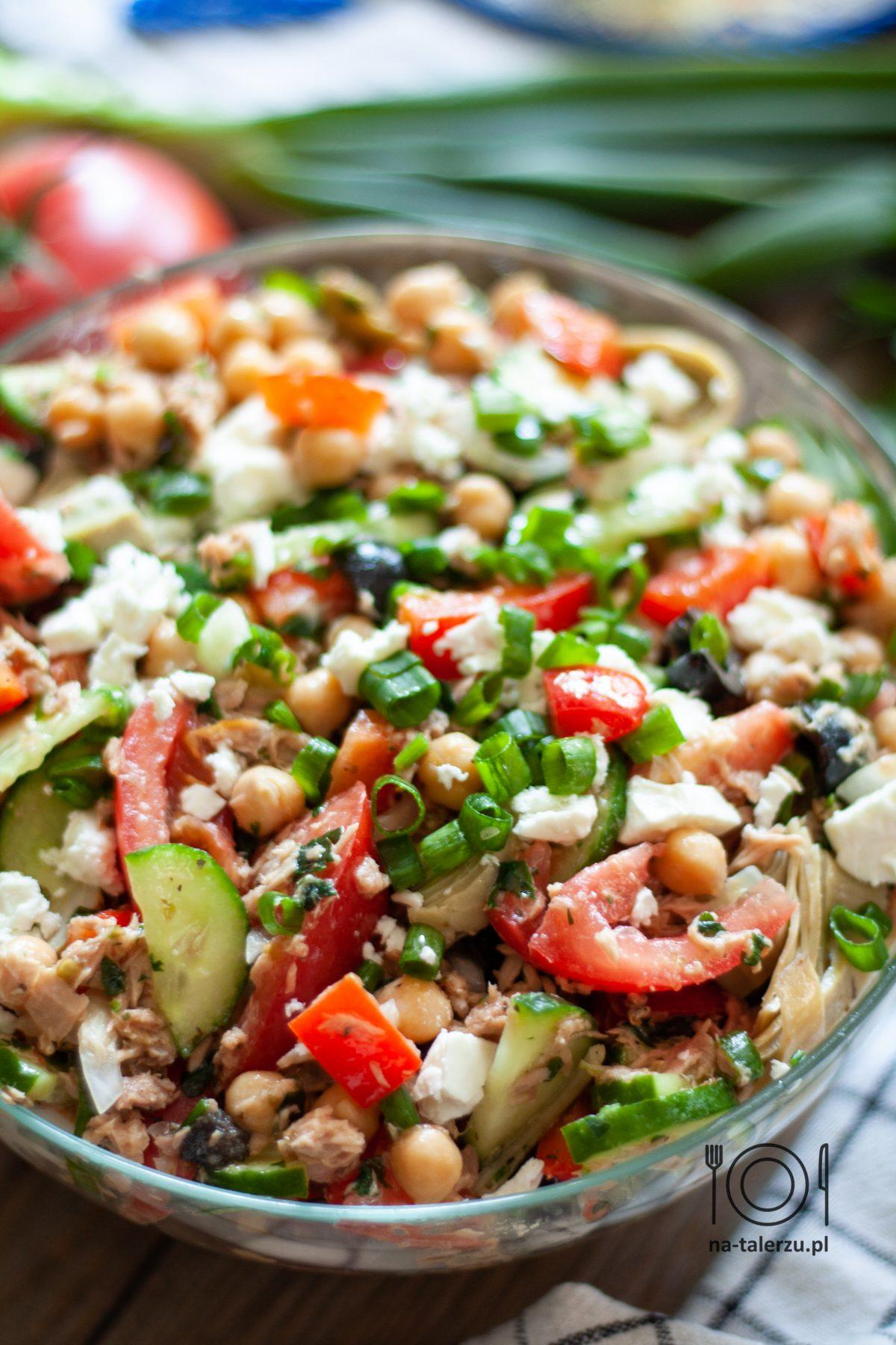 Śródziemnomorska sałatka z tuńczykiem