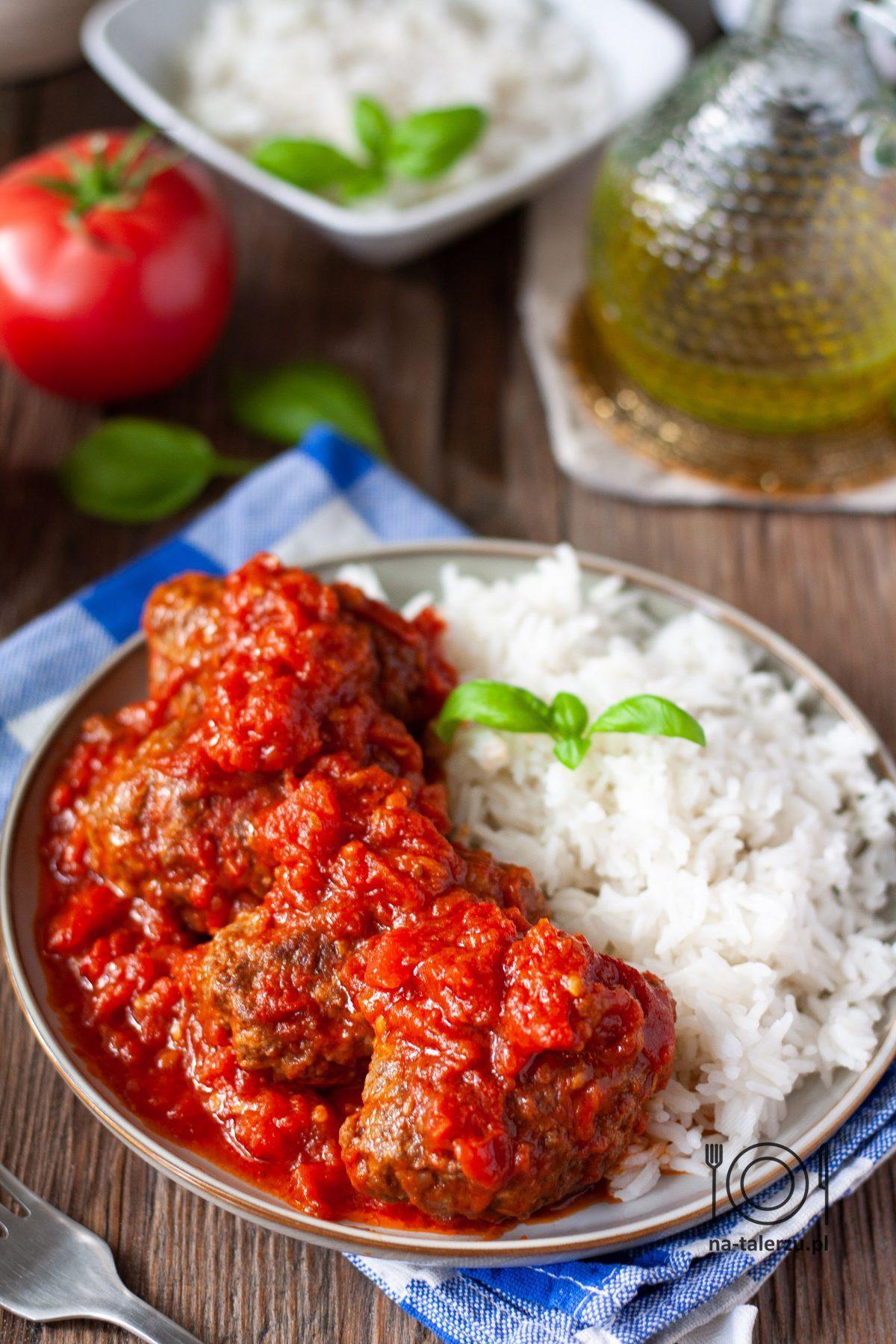 Soutzoukakia greckie klopsiki w sosie pomidorowym