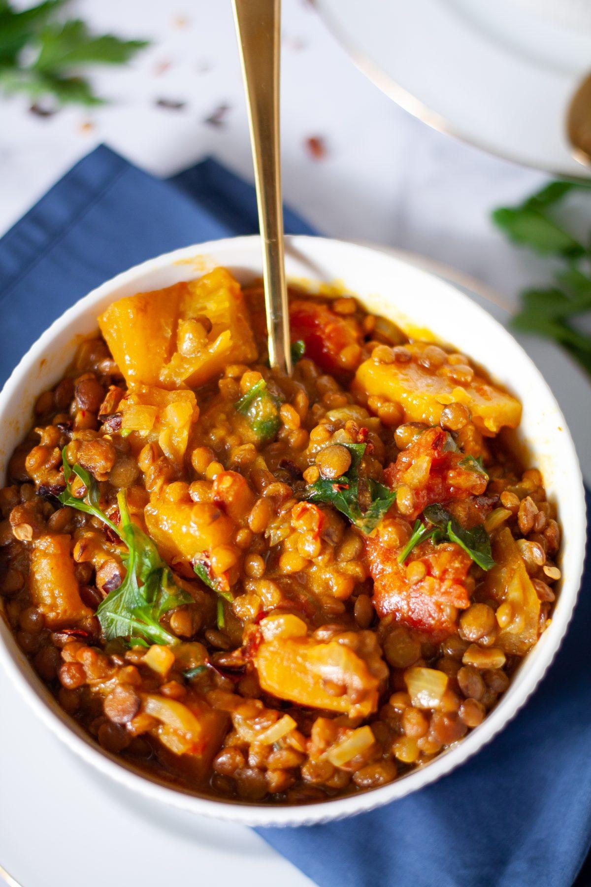 Curry z dynią i soczewicą